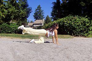 buttocks workout-leg raises